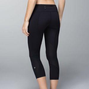 🍋 Lululemon 3/4 length black leggings